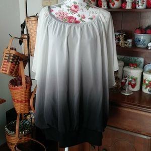 Avenue blouse. Size 26/28
